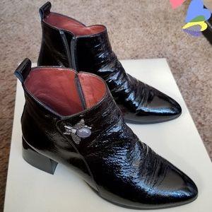 Hispanitas Black Shiny Bee Ankle Boots B95